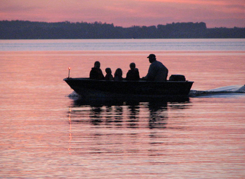 As temperatures warm up around the Manistique Lakes Area, guests enjoy fishing on our many lakes and streams, mushrooming, smelt dipping, and ATVing.